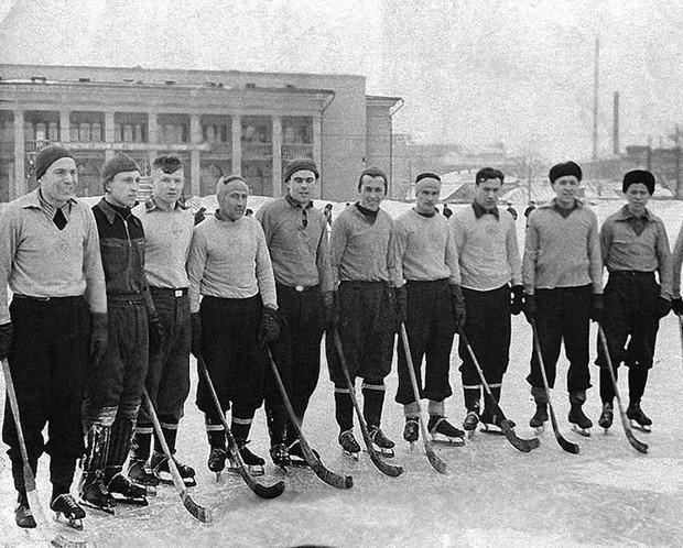 И хоккей... Борис Харламов