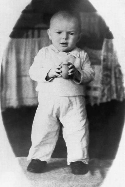 Родился Валера Харламов