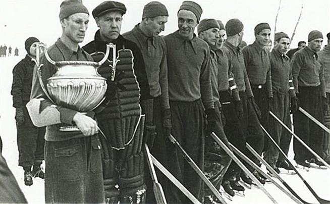 «Динамо» Москва — первый чемпион СССР по хоккею с шайбой. Сезон 1946-1947г